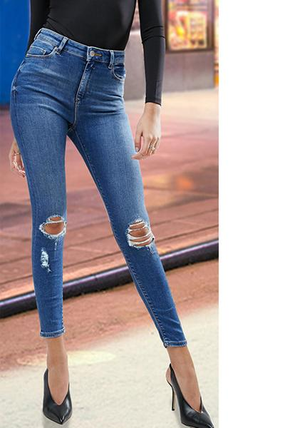 Distressed Medium Washed Regular Rise Skinny Jeans