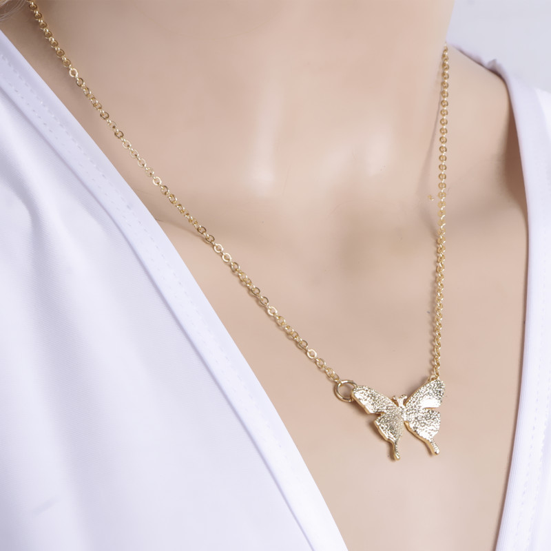 Delicate Butterfly Short Necklace