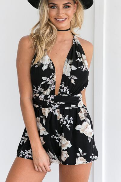 Deep V-neck Halter Backless Short Jumpsuit