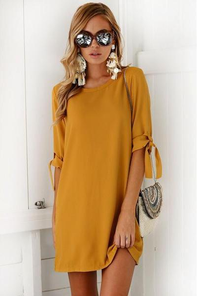 Bursts of pure color lace in the sleeve round neck dress