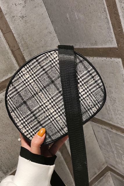 Circular Shape Plaid Pattern Crossbody Bag
