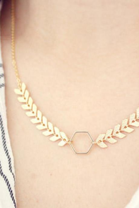 Fish Bone Delicate Read Collar Clavicle Necklace