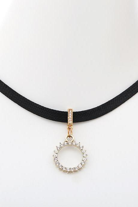 Fashion Simple Flannelette Sun Pendant Necklace