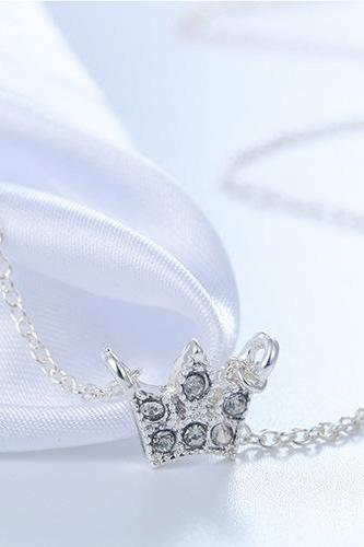 Fashion Full of Diamond Imperial Crown Pendant Necklace