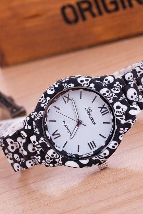 Personality Skull Print Strap Watch
