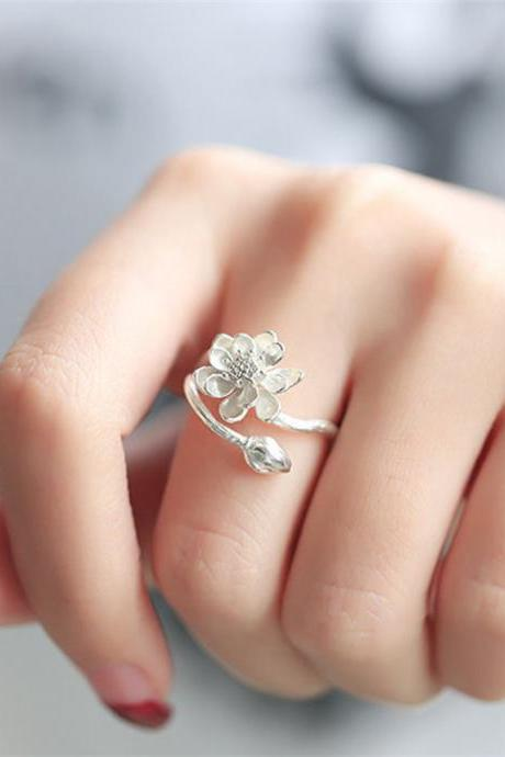 Small opening fresh lotus silver ring