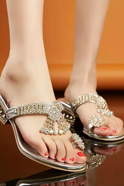 Fashion Sexy Crystal Ring Toe Post Sandals Chunky Mid Heels Pumps Mules Shoes