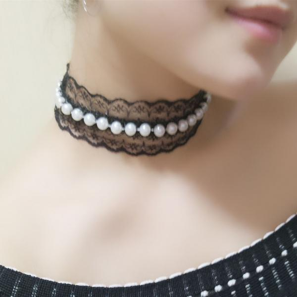 Joker Pearl Lace Brief Paragraph Necklace